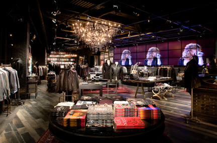 20120416_20090830_john_varvatos_interior